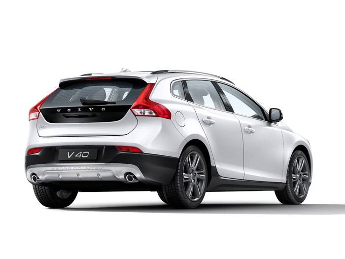 volvo-v40-rear